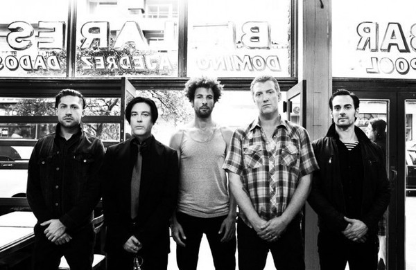 queens of the stone age クイーンズ オブ ザ ストーン エイジ の