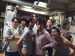 The SALOVERS × SAKANAMON、ガチ対バン!
