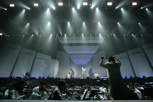 ライブ コロナ 林檎 椎名 椎名林檎のライブ中止発表に猛バッシング「最初からそうしろ!」