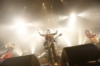 a flood of circle × 9mm Parabellum Bullet@Zepp DiverCity  - all pics by 山川 哲矢