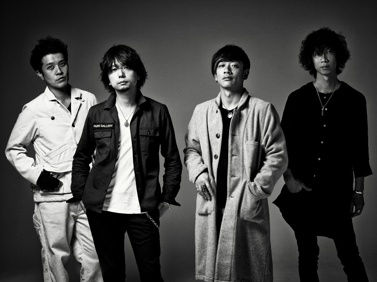 Nothing's Carved In Stone、初ライブの日にワンマン「BEGINNING」開催。初のベスト盤も発売