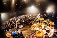 dustbox/Zepp Tokyo - All photo by 岩渕 直人