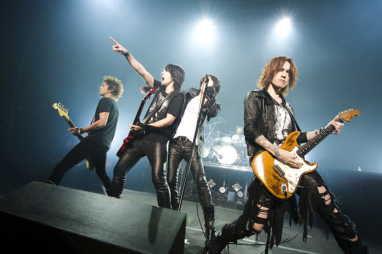 LUNA SEA @ Zepp Tokyo - pics by KEIKO TANABE  (写真は12月15日公演のものです)